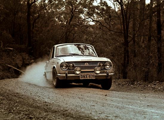 car-trial-isuzu-bellet-1965